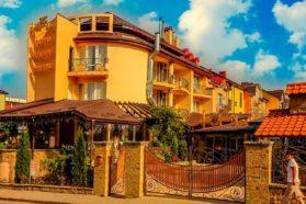 Hotel Dworek Lewa