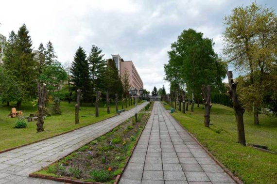 Sanatorium Viyskovy - 02.jpg
