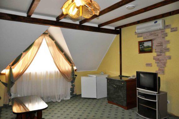 Hotel Oriana in Truskavets - 04-10.jpg