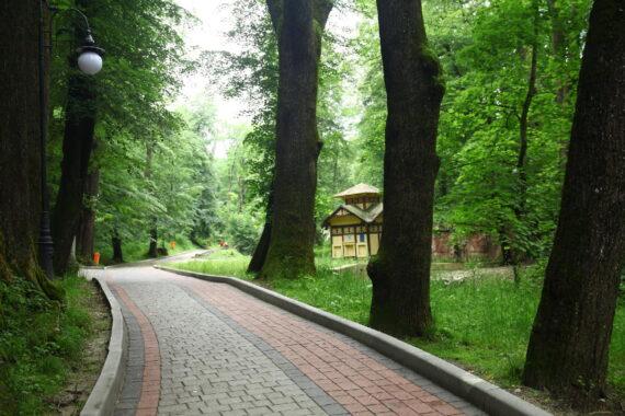 Park kurortowy - resort-park-adamivka-06.jpg