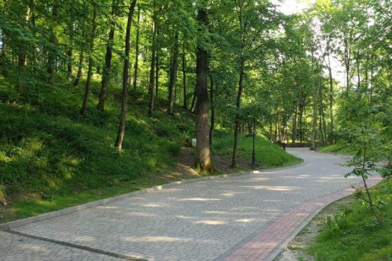 Park kurortowy - resort-park-adamivka-12.jpg
