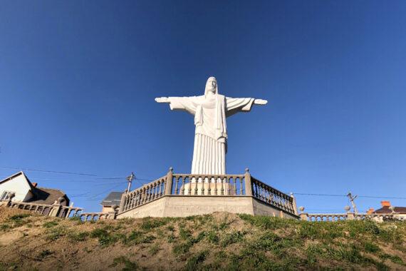 Статуя Христа Спасителя - statue-of-savior-christ-01.jpg