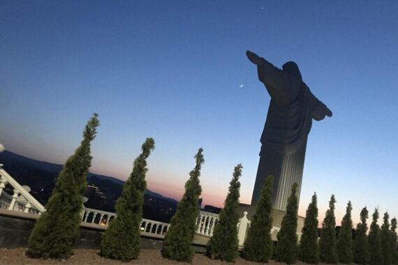 Статуя Христа Спасителя - statue-of-savior-christ-2.jpg