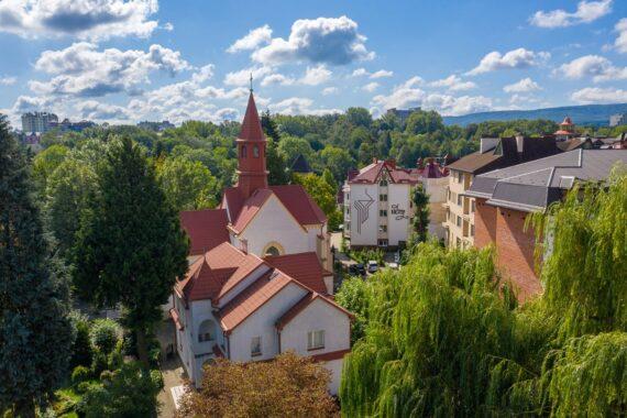 Kościół wniebowzięcia najświętszej marii panny - kostel-vnebovziattya-truskavets-04.jpg